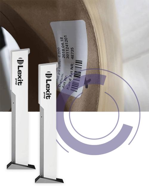 To RFID portaler foran en etikettrull påklistret rfid-etikett inni kjernen