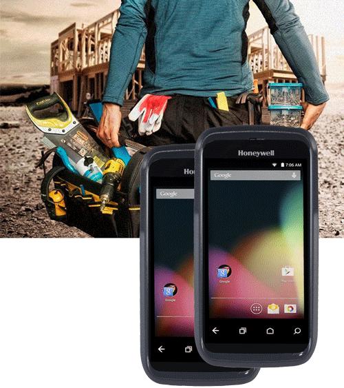 To håndterminaler foran et bilde av en mann med masse verktøy på en byggeplass